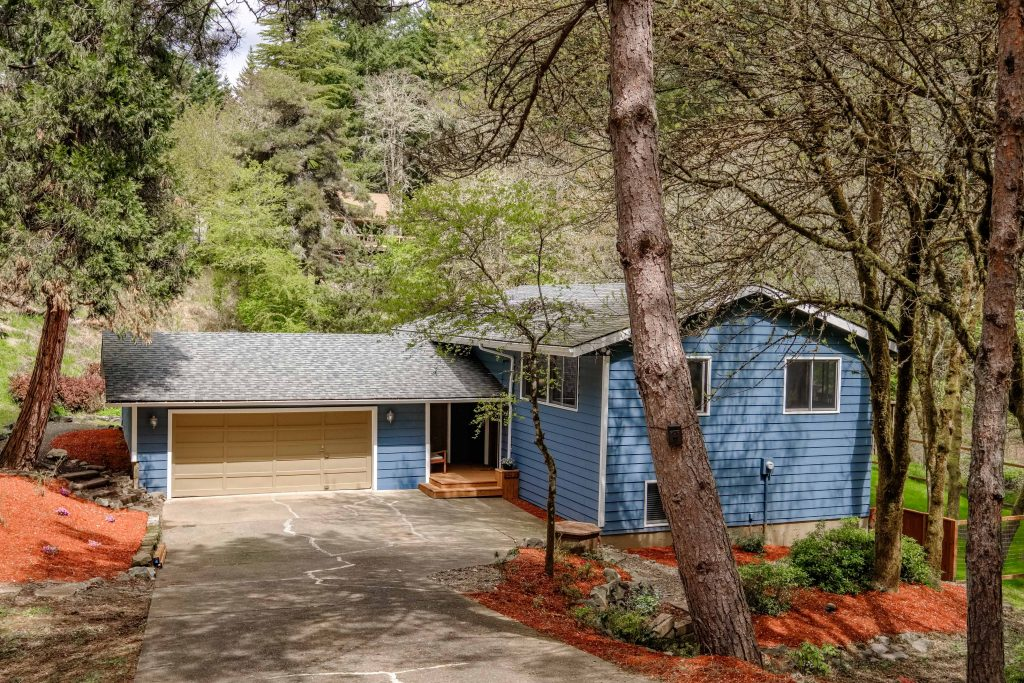 SOLD: 5595 NW Fair Oaks Dr, Corvallis $360,000