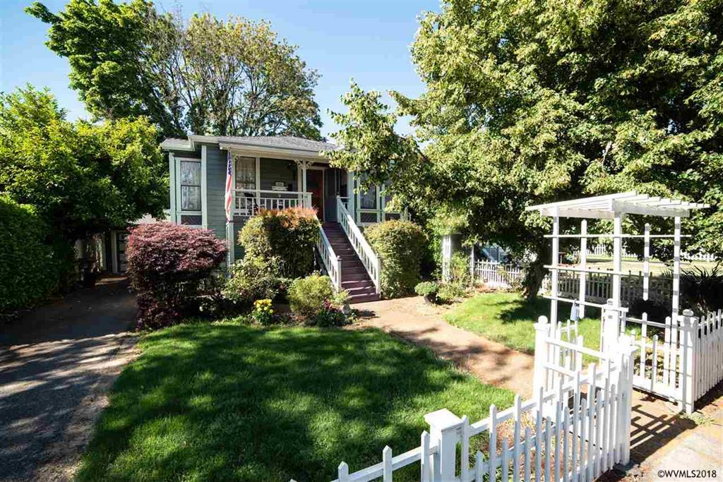 327 7th Ave SW, Albany - UNDER CONTRACT