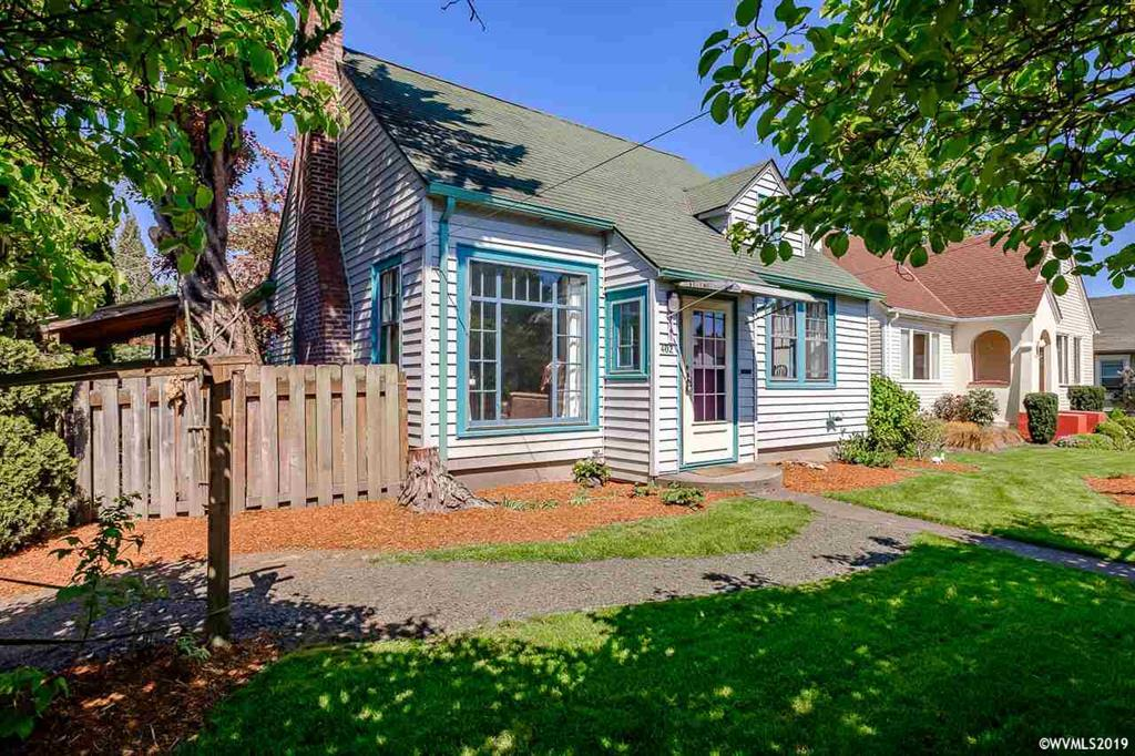 SOLD: 402 NW 14th St. Corvallis. $429,000