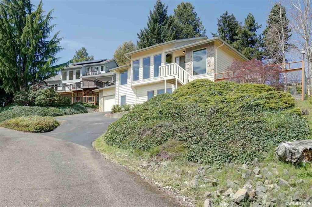 SOLD:  428 Benton View Drive, Philomath. $380,000