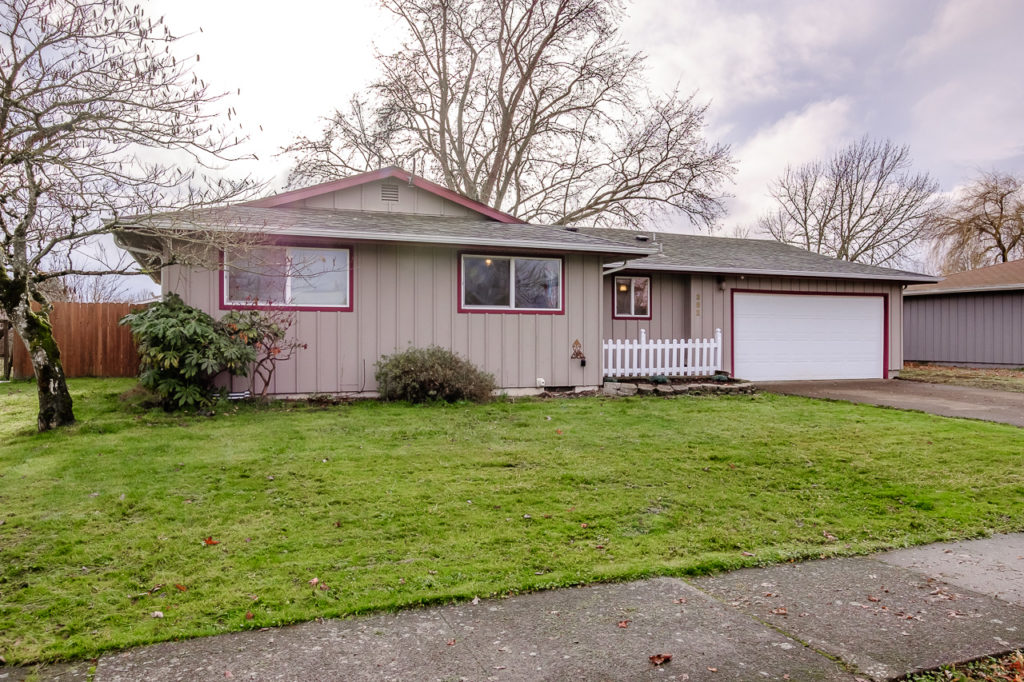 SOLD: 382 SE Plymouth Ct, Corvallis.  $308,000