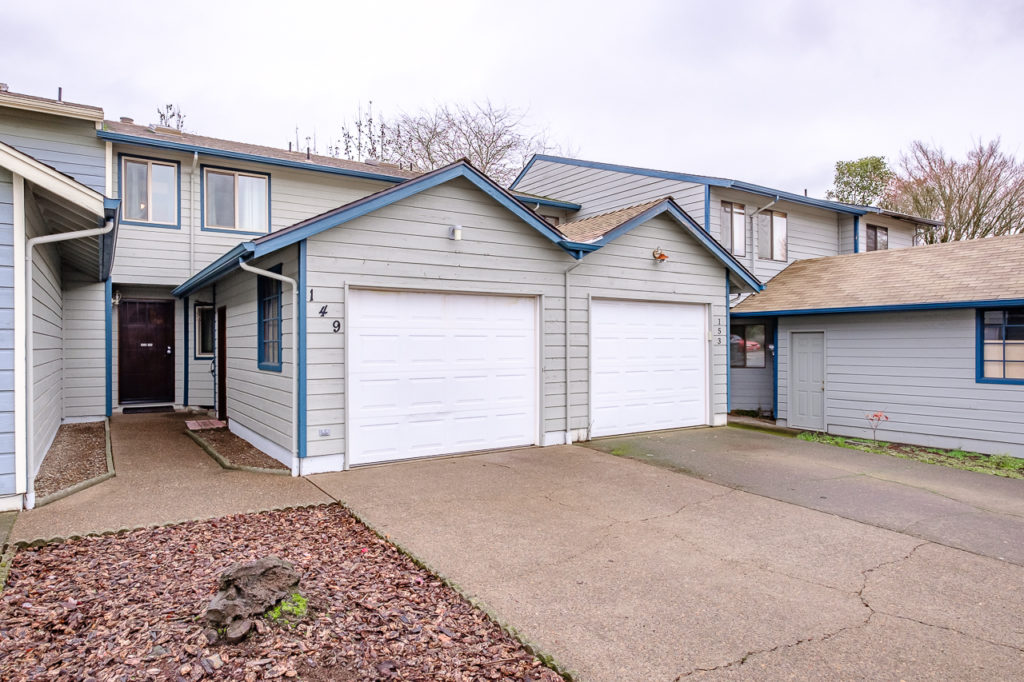 SOLD:  149 NE Powderhorn Dr., Corvallis. $236,500